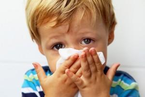 Чем лечить насморк у детей