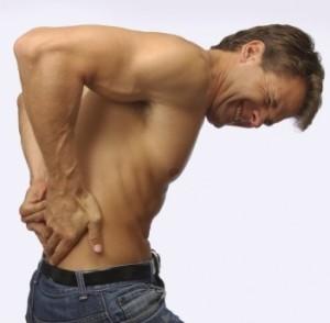 фото -у мужчины проблемы со спиной