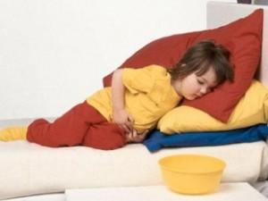 При гастрите у ребенка может наступить обезвоживание