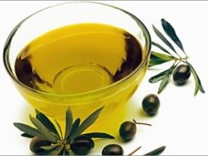 Оливковое масло в чаше