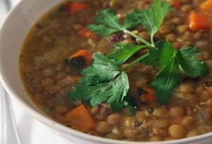 Вегетарианский суп с чечевицей
