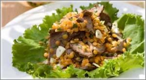 Салат с чечевицей и куриной грудкой